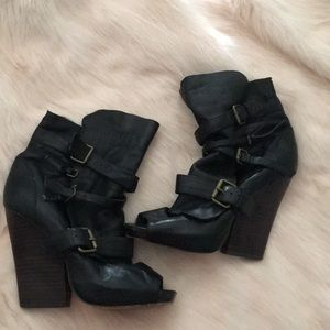 Beautiful Dolce Vita heeled booties
